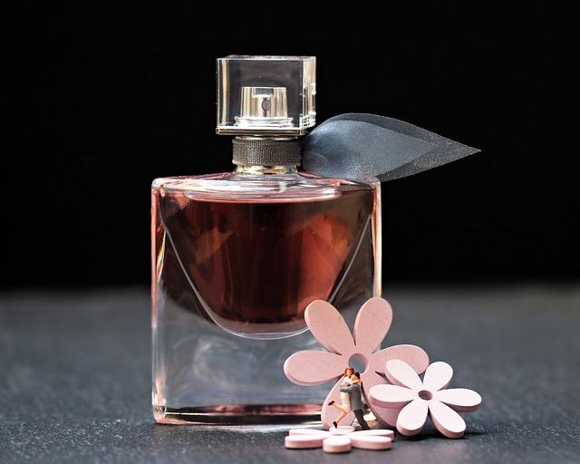 vůně, parfém