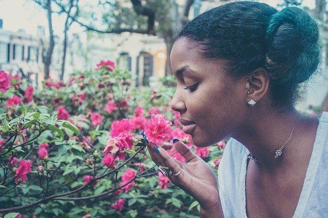 žena, květiny