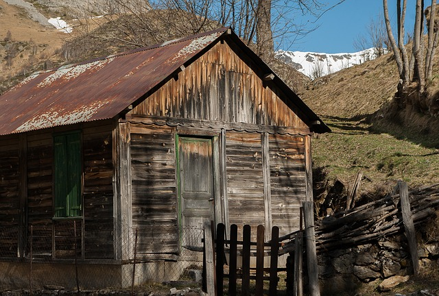 pyrenees-2137826_640